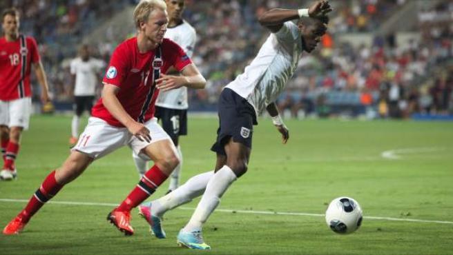 Un momento del partido Inglaterra-Noruega del Europeo sub'21.