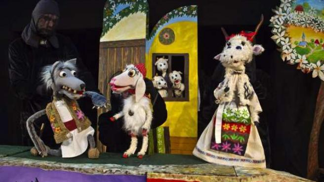 La compañía rumana El Lucero presenta la obra La cabra y los tres cabritillos.