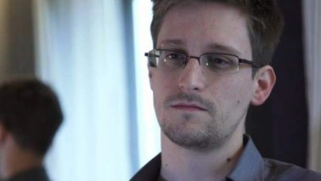 Imagen del reportaje de 'The Guardian' sobre Edward Snowden, el extrabajador de la CIA que filtró el sistema de espionaje de la NSA estadounidense.