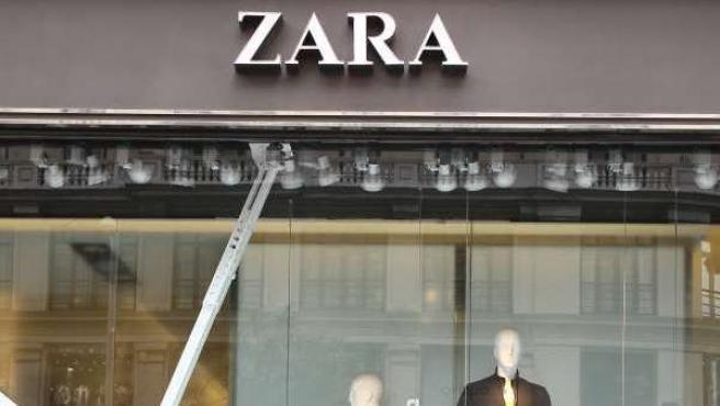 En la imagen, una tienda Zara, principal baluarte del grupo Inditex.