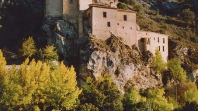 Ermira de San Saturio, al borde del Duero, en Soria.