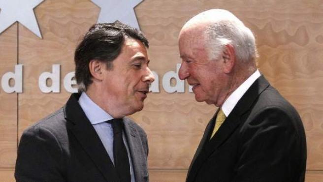 El presidente madrileño, Ignacio González, y el número dos de Las Vegas Sans, Michael Leven, durante la rueda de prensa para anunciar la ubicación de Eurovegas.