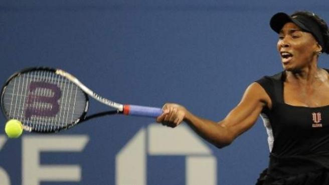 La tenista estadounidense Venus Williams, durante su partido contra la rusa Vesna Dolonts, en la primera ronda del Abierto de Tenis de Estados Unidos.