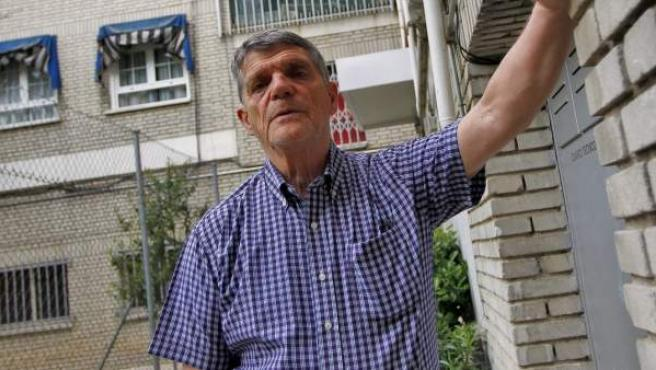 """Álvaro Díez, presidente de una comunidad de vecinos de Las Rozas con propietarios morosos: """"El banco desahució a un vecino y después tampoco nos pagó las cuotas""""."""