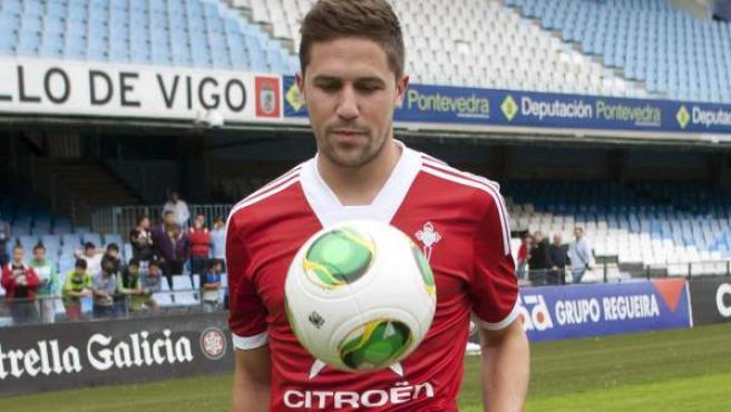 Andreu Fontás, durante su presentación como nuevo jugador del Celta de Vigo.