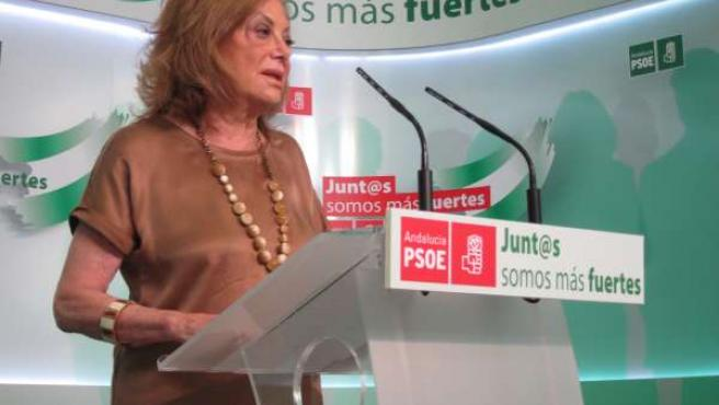 Presidenta del PSOE-A, Amparo Rubiales, en rueda de prensa.