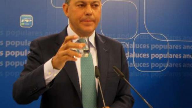 El secretario general del PP-A, José Luis Sanz, en la sede regional del partido