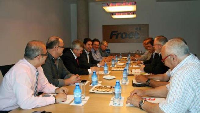 Sevilla se reúne con la junta directiva de Froet