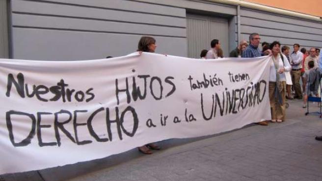 Manifestación a las puertas del PP