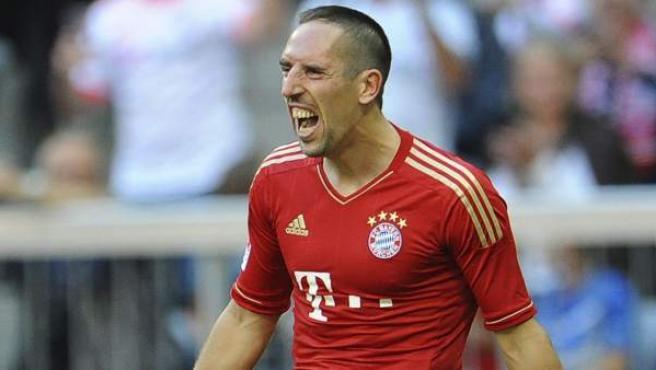 El delantero francés del Bayern, Frank Ribery, celebra un gol.