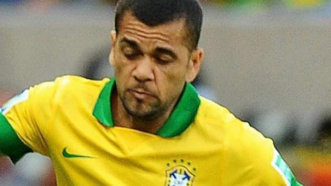 Dani Alves, con la selección brasileña en la Copa Confederaciones 2013.