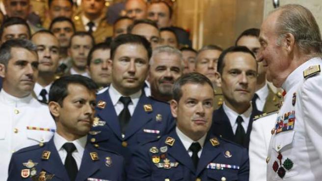El rey Juan Carlos clausurando el XIV Curso de Estado Mayor de las Fuerzas Armadas.