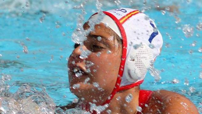 La jugadora de waterpolo Lorena Miranda, durante un partido de la selección femenina contra la de Alemania en el Europeo de Croacia de 2010.