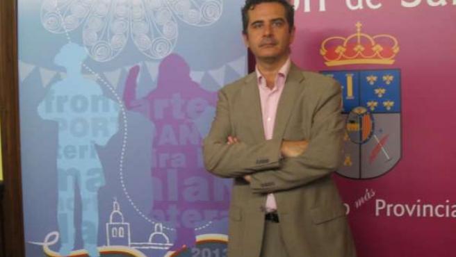 El diputado de Cultura, Manuel Tostado, presenta 'Arte en la Frontera'