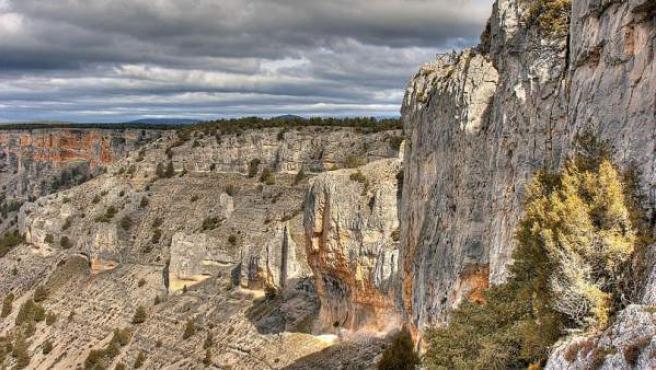 Siglos de erosión han formado espectaculares y abruptas paredes verticales.