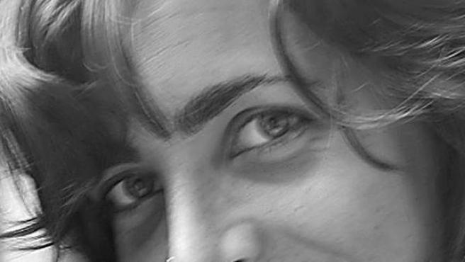 Fotografías facilitadas por Médicos Sin Fronteras (MSF) el 14/10/2011 de la madrileña Blanca Thiebaut (d), de 30 años, y la catalana Montserrat Serra, de 40, las dos cooperantes españolas de MSF secuestradas en el noreste de Kenia el 13 octubre de 2011 que han sido liberadas este jueves, según ha confirmado la organización humanitaria.