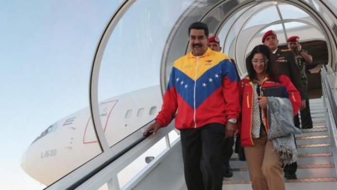 Imagen de archivo del presidente de Venezuela, Nicolás Maduro, a su llegada a Maiquetía (Venezuela) tras una gira por Rusia y Bielorrusia.