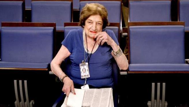 Fotografía de la veterana corresponsal de la Casa Blanca, Helen Thomas.