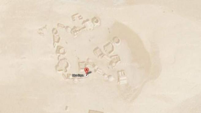 Estado de la ciudad ficticia de Mos Espa en 2013, casi sepultada por la arena.