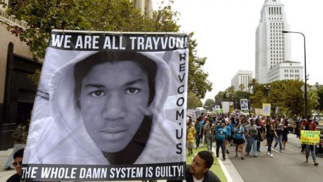 Imagen de la protesta en Los Ángeles para pedir justicia por la muerte del adolescente negro Trayvon Martin.