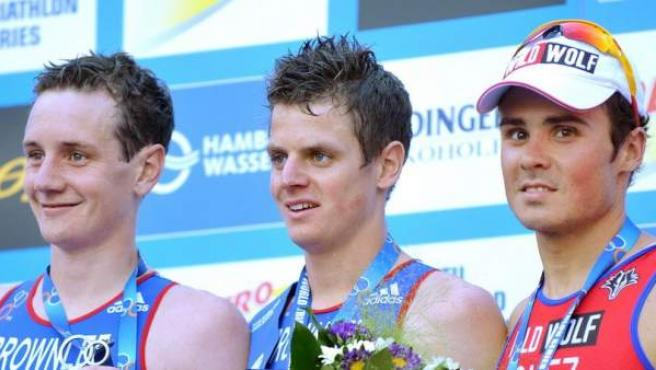 El podio de las Series Mundiales de Hamburgo en 2013: Alistair Brownlee, Jonathan Brownlee y Javier Gómez Noya.