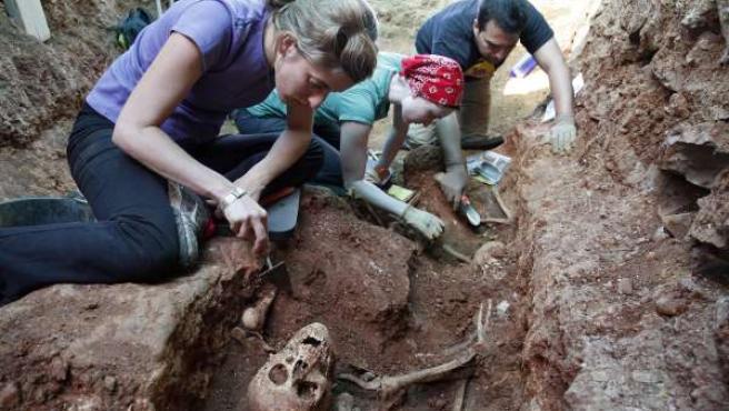 Exhumación fosa común - Memoria Histórica