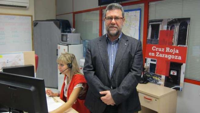El coordinador provincial de Cruz Roja Zaragoza, Antonio González, en su sede