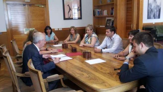 El Gobierno aragonés y la Asociación Generando Futuro firman un acuerdo.