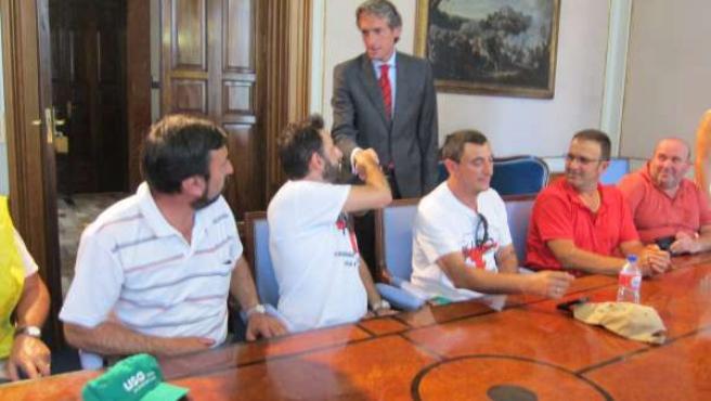 El alcalde de Santander saluda al presidente del comité de Ascan