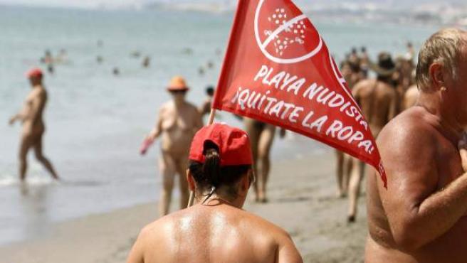 Nudistas en la localidad almeriense de Vera.