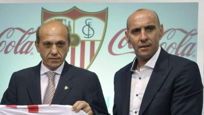 José María del Nido (centro) y Monchi (derecha), durante la presentación de Kevin Gameiro en 2013.