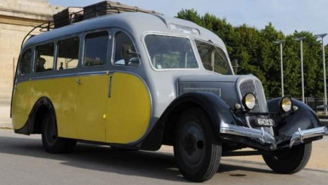 El Autocar Citroën U23 era un autobús carrozado con capacidad para 20 pasajeros sentados y ocho a pie.