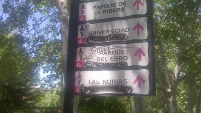 Pintadas en los itinerarios ciclistas del parque del Ebro