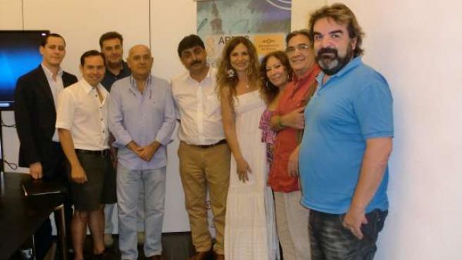 Makkar con miembros del sector cinematográfico sevillano.