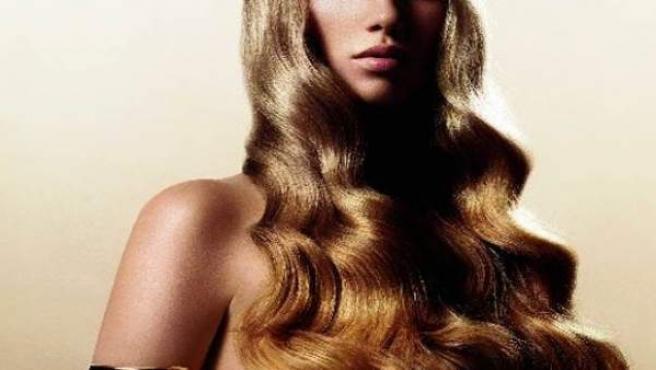 Un cabello así de espléndido necesita de muchos cuidados.