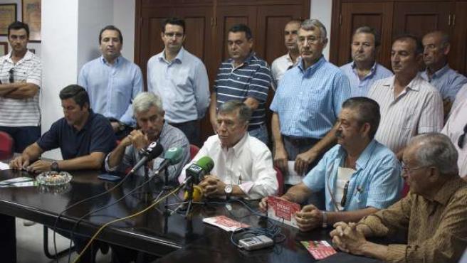 Miembros de la Plataforma en defensa de los regadíos de Doñana en Huelva.