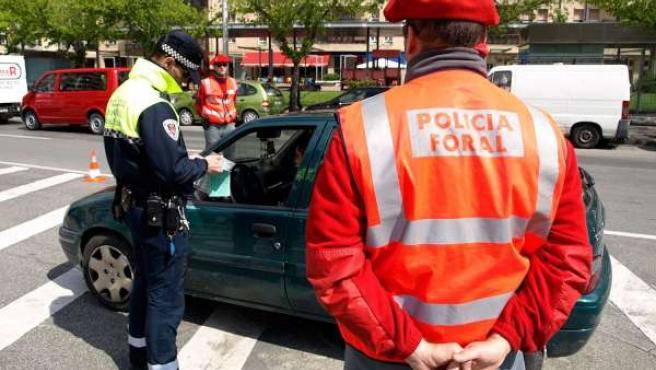 Control Conjunto De Policía Foral Y Policía Municipal De Pamplona.