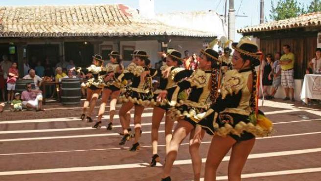Danzas De Villablanca En El Muelle De Las Carabelas En Huelva