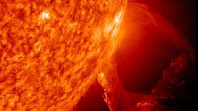 Erupción solar captada por el observatorio de la NASA.
