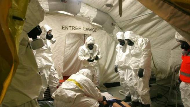 Un ejercicio de simulacro ante un ataque con gas sarín, en una imagen de archivo.