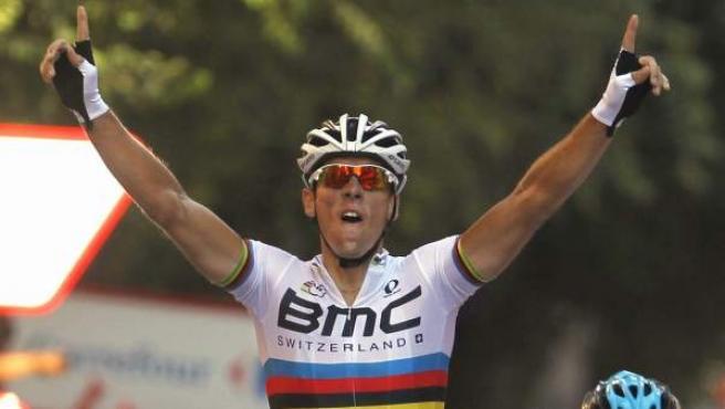 El belga Philippe Gilbert se impone en Tarragona, meta de la duodécima etapa de la Vuelta a España 2013.