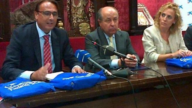 Rueda de prensa en el Ayuntamiento de Granada