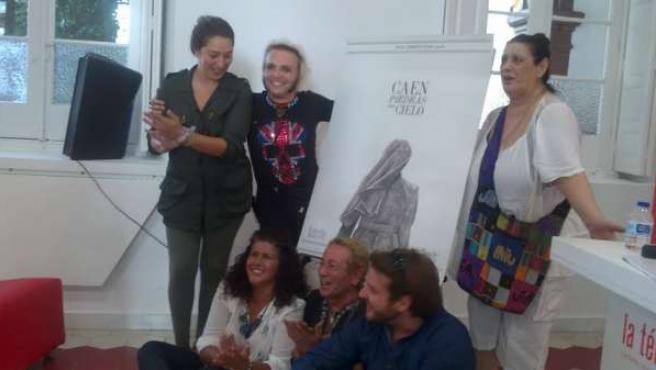 Estrella Morente, Rafatal, Terele Pávez, y el equipo del cortometraje