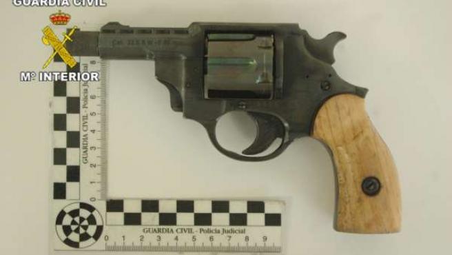 Arma incautada en una operación