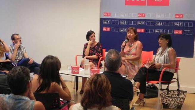 Sílvia Cano y Francina Armengol en grupo de trabajo sobre educación
