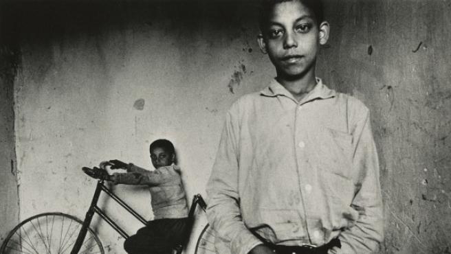 Foto del checo Josef Koudelka incluida en la exposición de Magnum