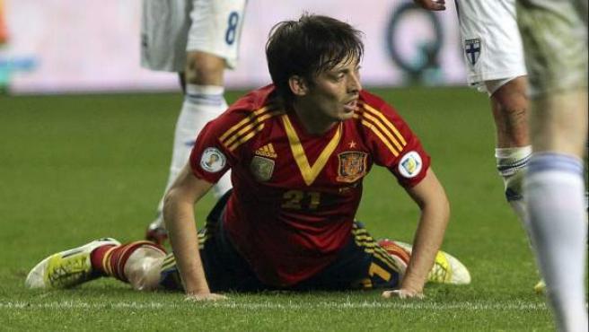 El delantero de la selección española, David Silva, durante el partido contra la selección de Finlandia.