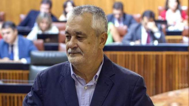 El presidente de la Junta de Andalucía, José Antonio Griñán, en un pleno del Parlamento andaluz.