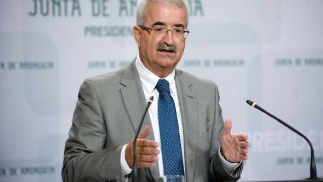Manuel Jiménez Barrios, en su primera comparecencia tras un Consejo de Gobierno