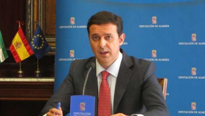 El secretario general del PP de Almería, Javier Aureliano García